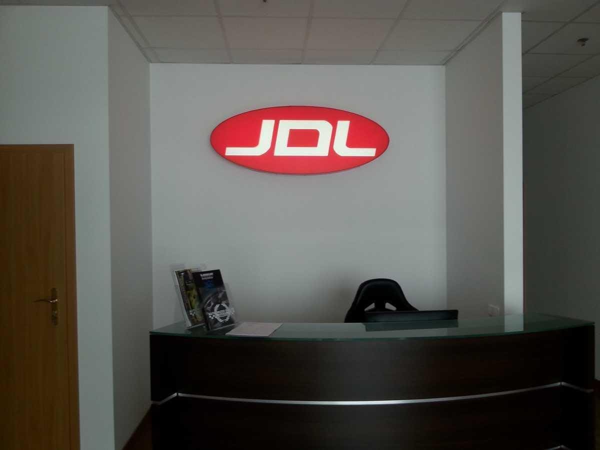 Logo podświetlane 3D z literami z plexi JDL
