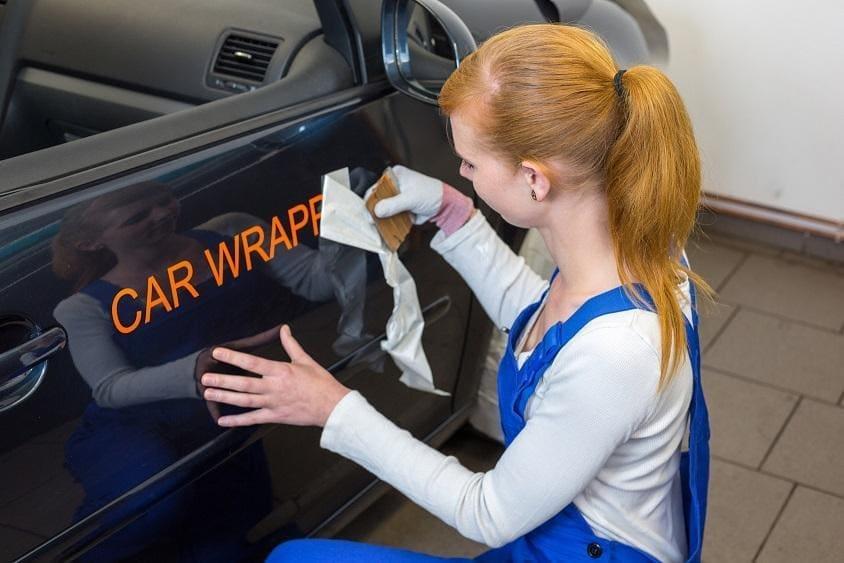Oklejanie samochodów folią
